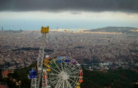 Кварталите на Барселонa от Камп Ноу до Тибидабо / The neighborhoods of Barcelona from Camp Nou to Tibidabo